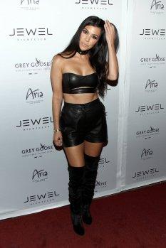 Kourtney Kardashian (14)