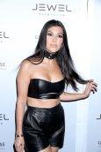 Kourtney Kardashian (9)