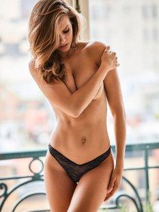 Josephine Skriver (25)