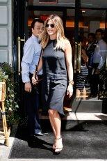 Jennifer Aniston (5)