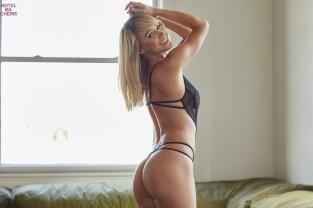 Sara Jean Underwood (47)