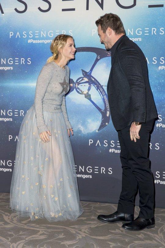 "Jennifer Lawrence - ""Passengers"" Photocall in Paris"