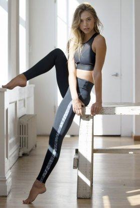 Alexis Ren (1)