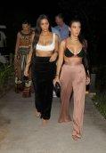Kim Kourtney Kardashian (3)