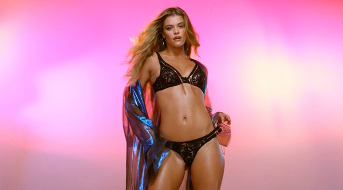Nina Agdal – LOVE Advent 2016 Bonus