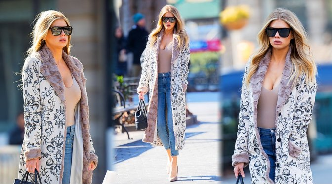 Charlotte McKinney – Cleavage Candids in New York