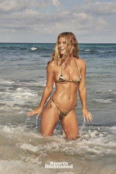 Nina Agdal (26)