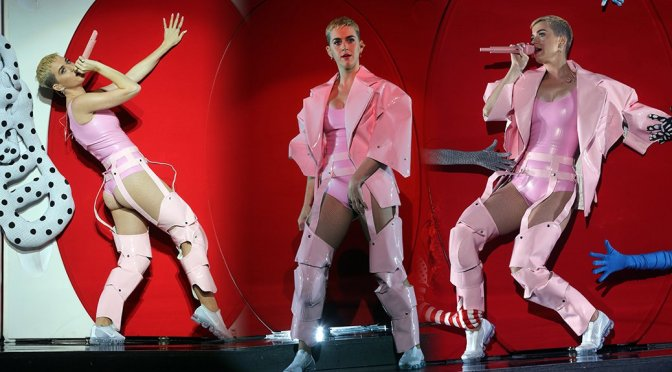 Katy Perry - Performing at YouTube Up Fronts at the Jacob Javits Center in NYC