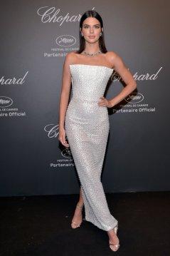 Kendall Jenner (22)
