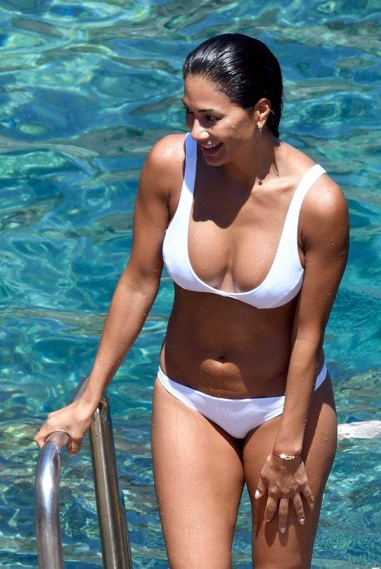 Nicole Scherzinger Bikini   Hot Celebs Home