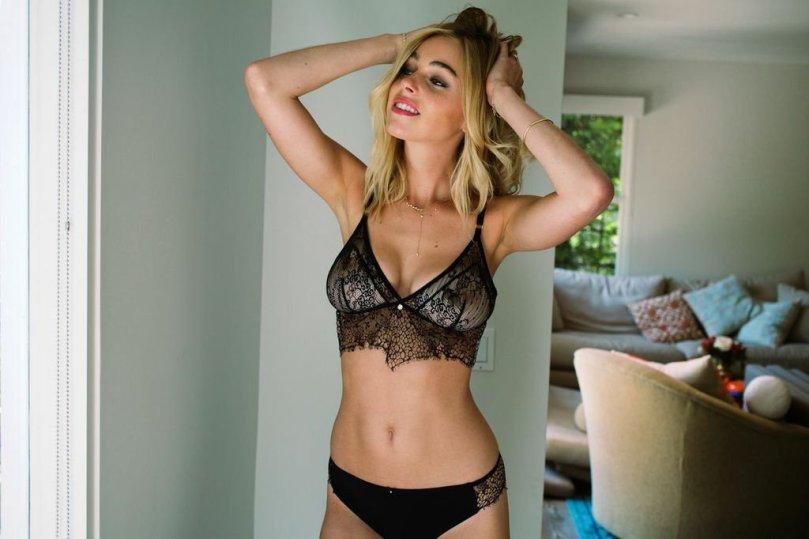Elizabeth Turner Sexy Leaks () | Hot Celebs Home