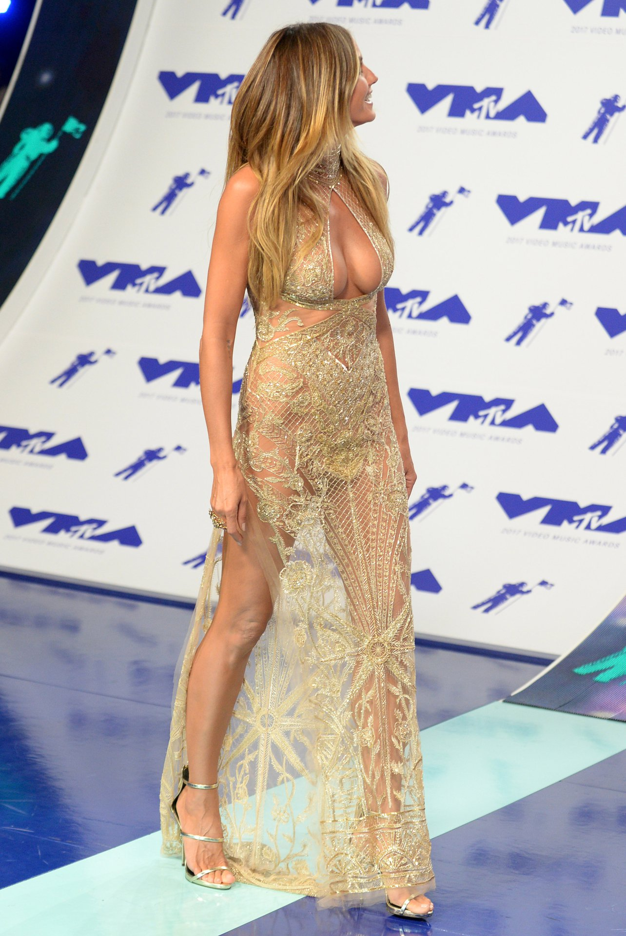 Heidi Klum Cleavage Boobs | Hot Celebs Home