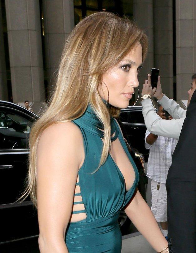 Jennifer Lopez Boobs - Hot Celebs Home