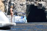 Kate Moss Bikini Topless ()