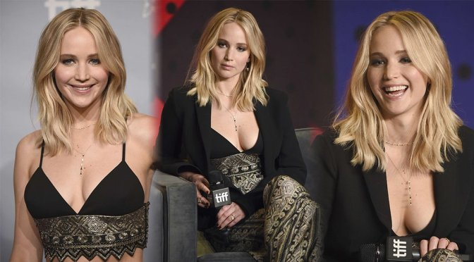"Jennifer Lawrence – ""Mother!"" Photocall in Toronto"