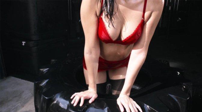 Bella Hadid Boobs