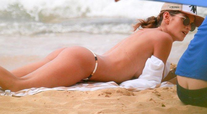Izabel Goulart – Bikini Candids in Fernando De Noronha