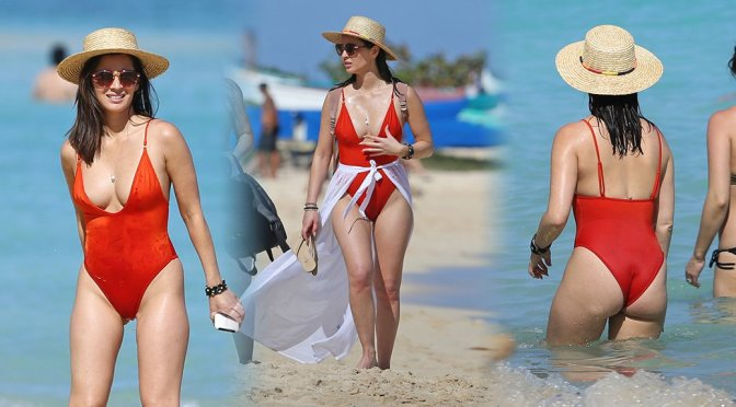 Olivia Munn – Swimsuit Candids in Hawaii