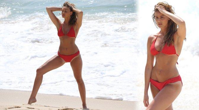 Alyce Crawford – Bikini Photoshoot Candids in Sydney