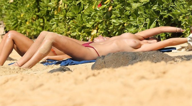 Toni Garrn – Topless Candids in Hawaii (NSFW)
