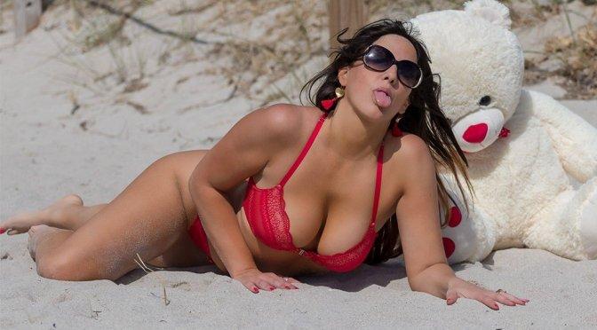 Claudia Romani Bikini Boobs