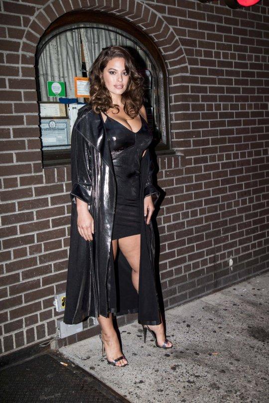 Ashley Graham Sexy Body