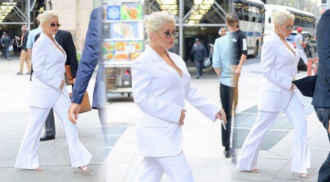 Christina Aguilera – Candids in New York