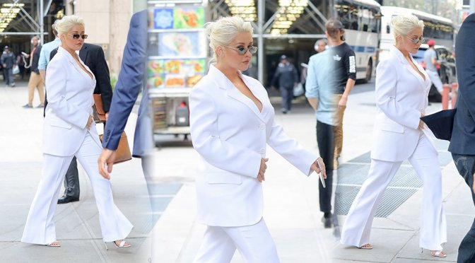 Christina Aguilera – Candids in New York