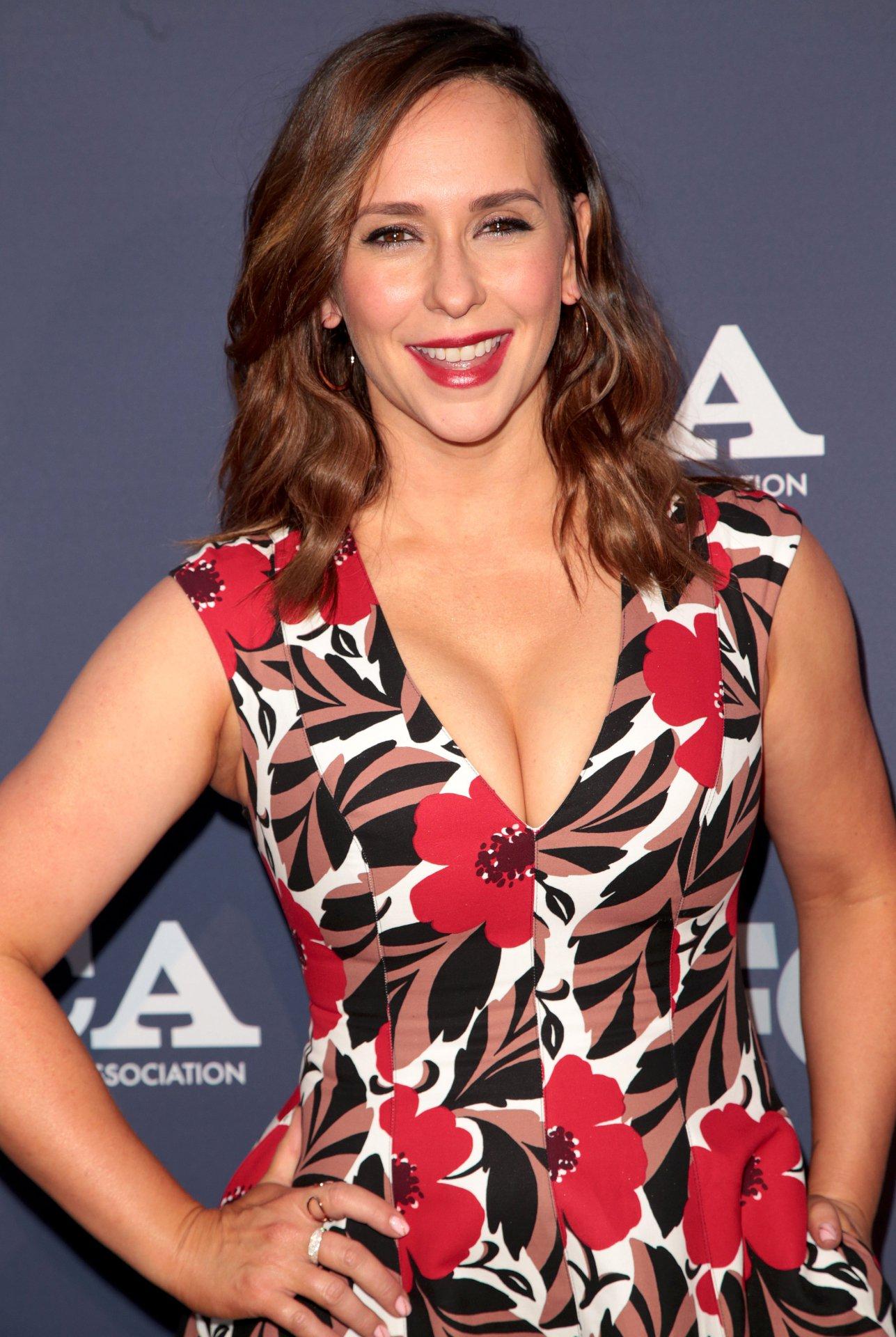 Jennifer Love Hewitt Big Boobs At Fox All Star Party | Hot Celebs Home
