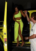 Kim Kardashian Having Wardrobe Malfunction Exposing Panties ()