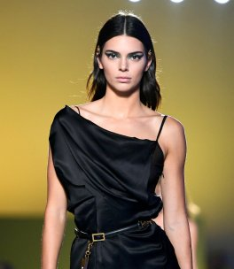 Kendall Jenner Sexy On Runway
