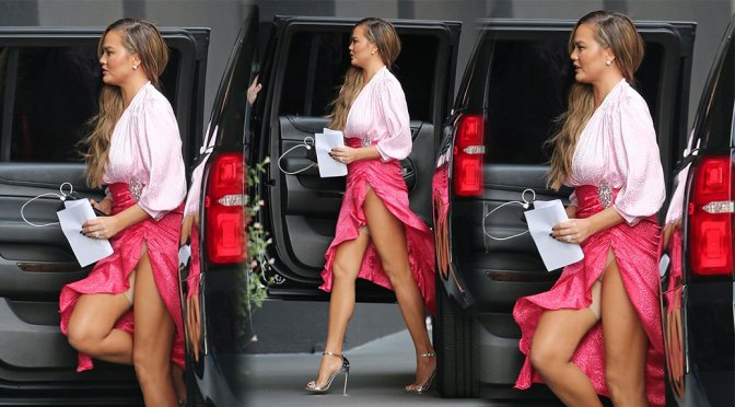 Chrissy Teigen – Upskirt Candids in Los Angeles