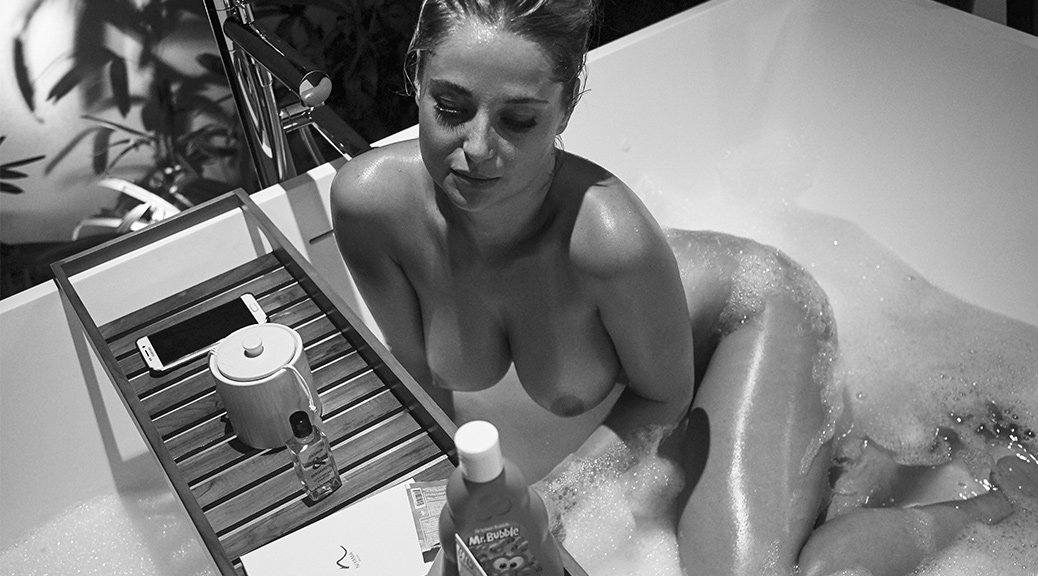 "Genevieve Morton - ""Nude in a Bathtub"" Naked Photoshoot by Derek Riker (Full Set) (NSFW)"