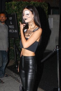Victoria Jusitce Sexy Haloween Outfit