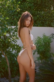 Emily Ratajkowski Sexy Swimwear Photoshoot