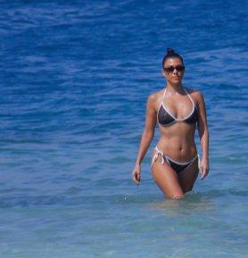 Kourtney Kardashian Sexy Bikini On Beach