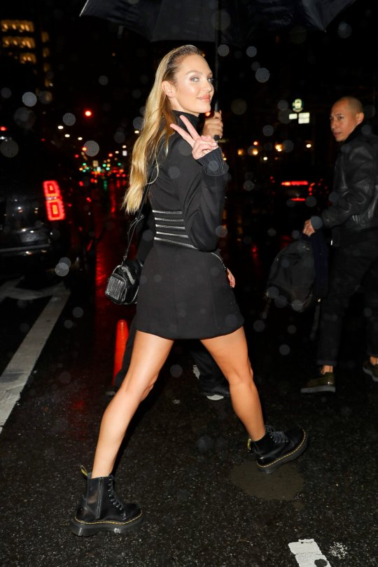 Candice Swanepoel Sexy Legs In Mini Skirt