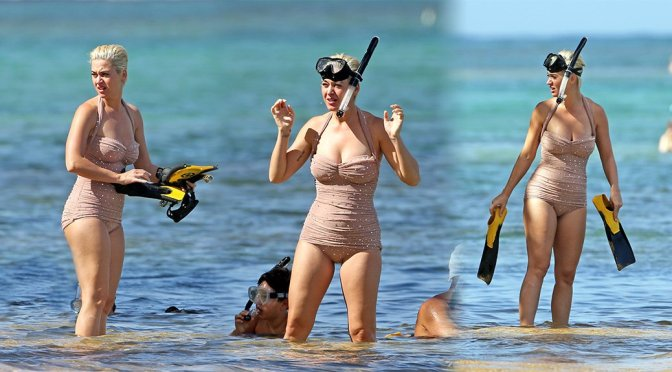 Katy Perry – Swimsuit Candids in Hawaii