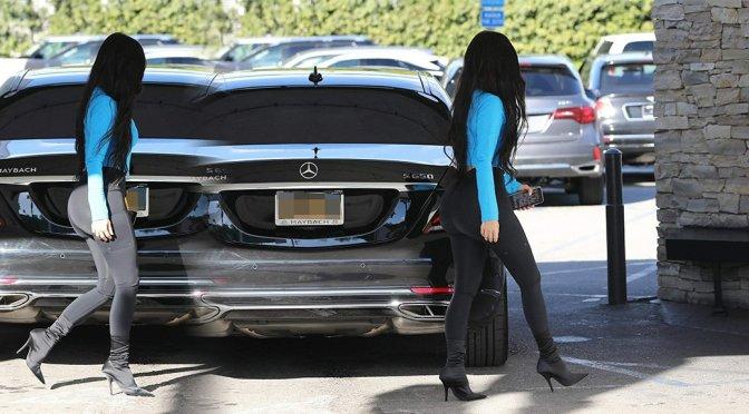 Kim Kardashian – Sexy Candids in Sherman Oaks