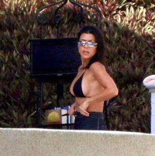 Kourtney Kardashian Sexy Ass