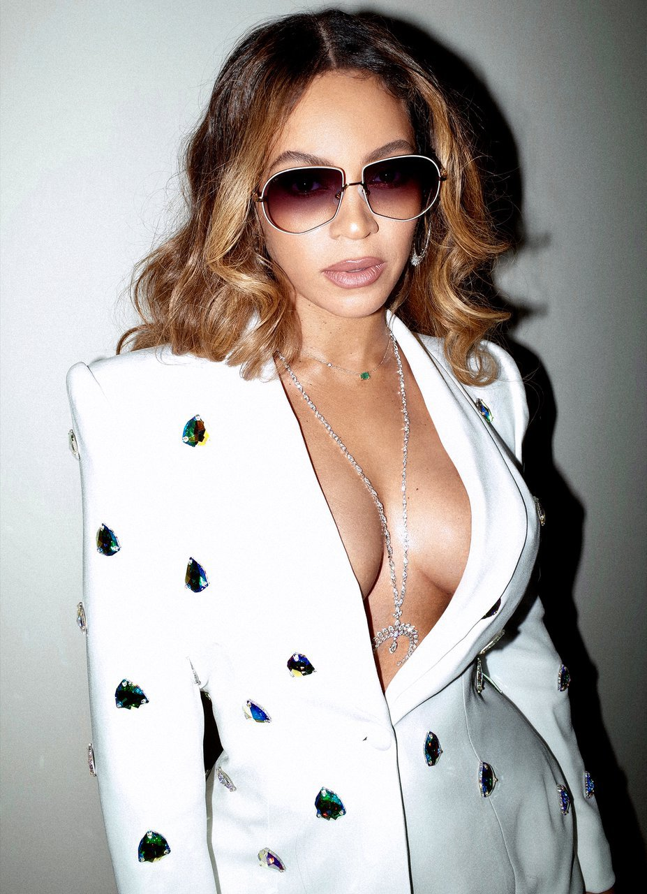 Beyonce Sexy Braless Breasts