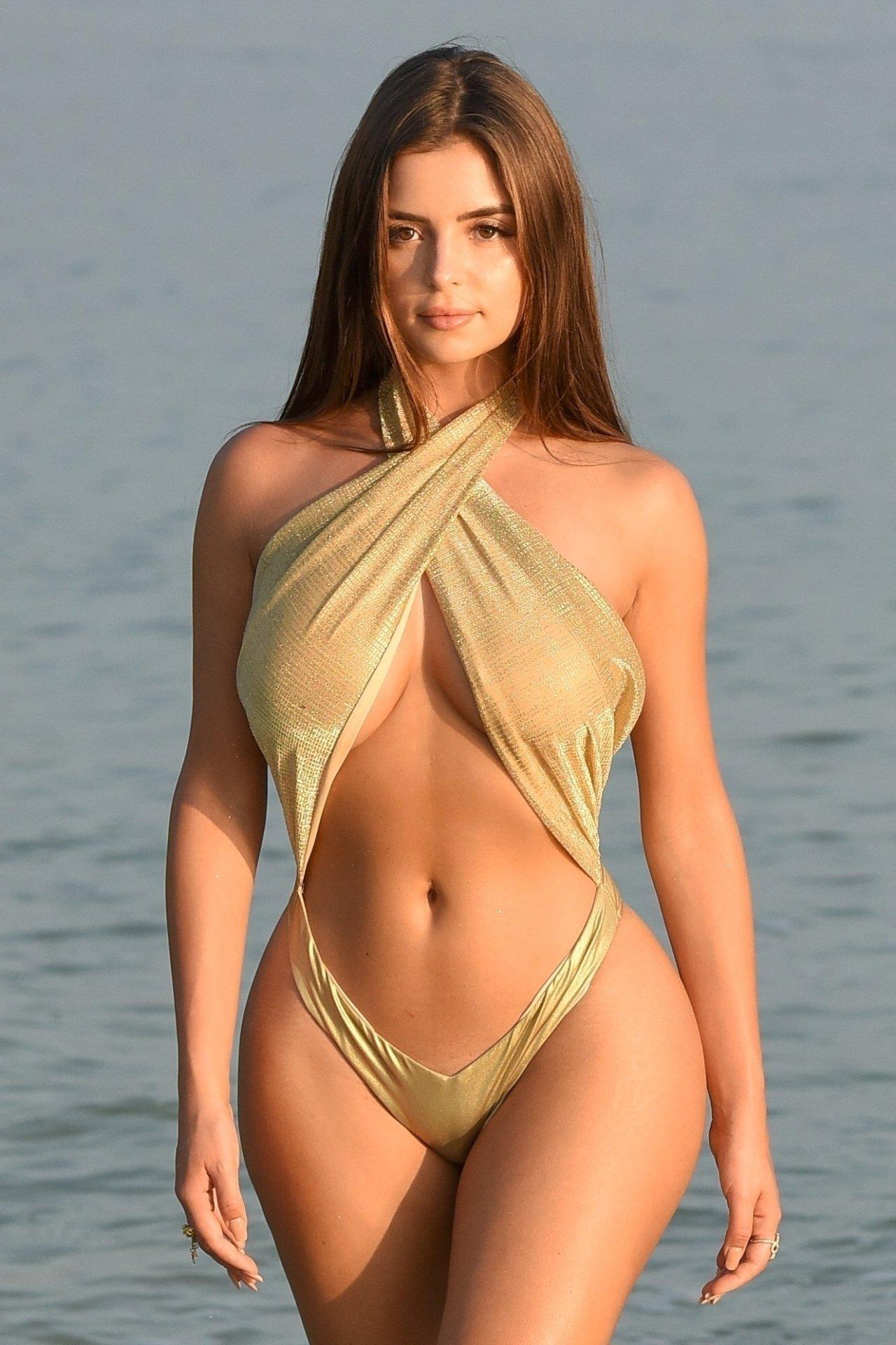 Demi Rose Mawby Sexy Body