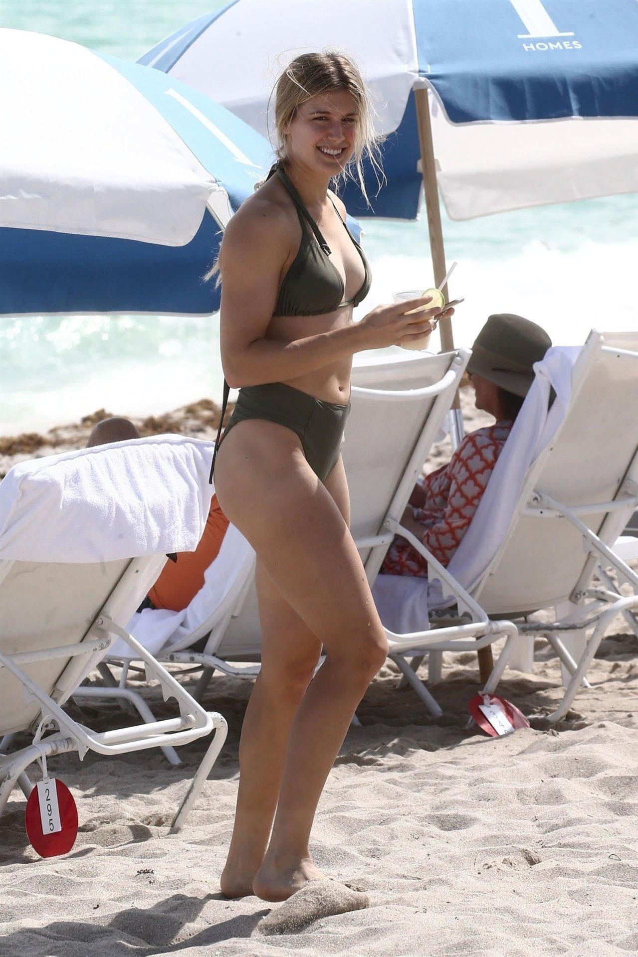 Eugenie Bouchard Sexy Bikini