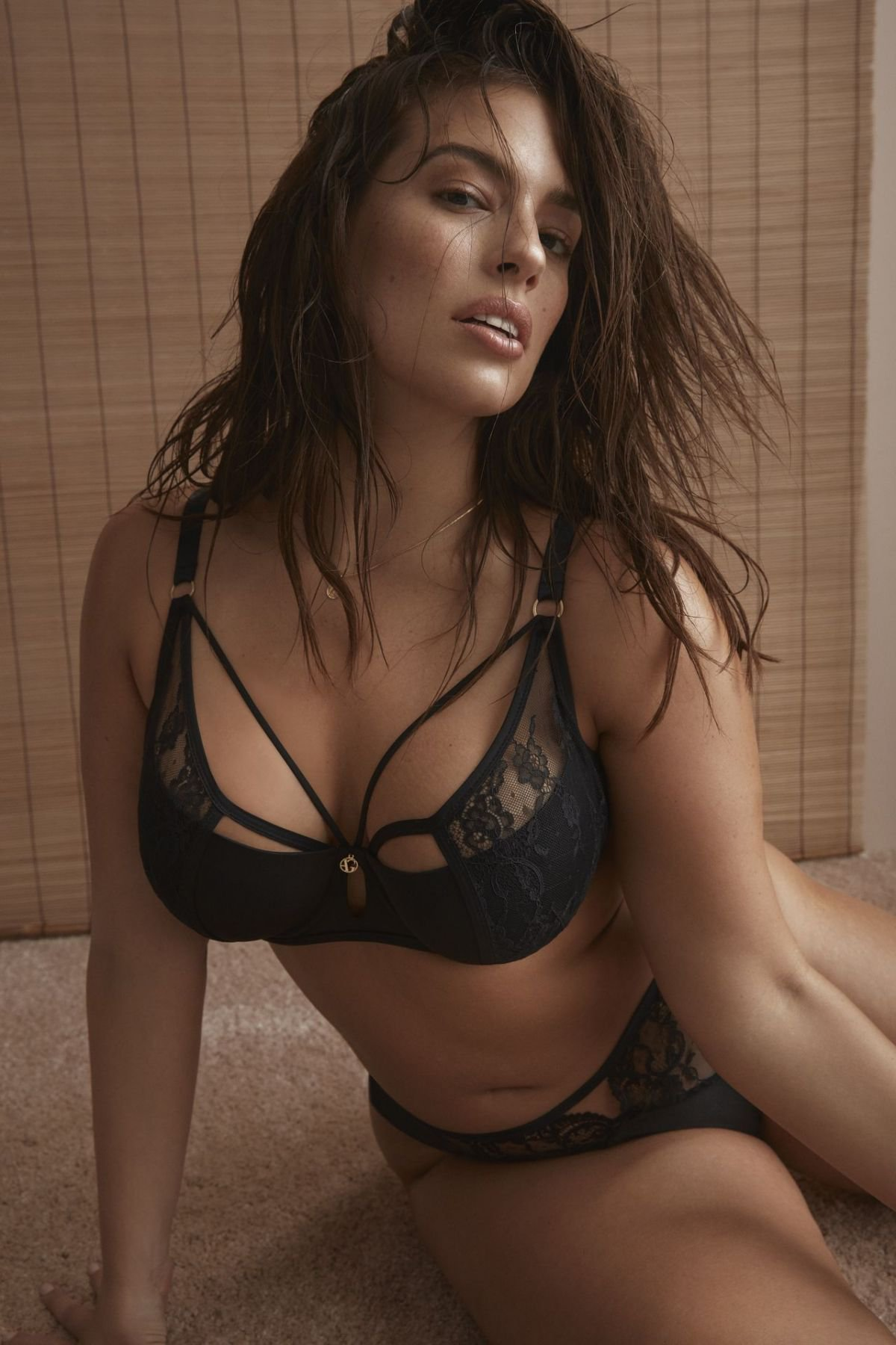 Ashley Graham – Sexy Lingerie Photoshoot