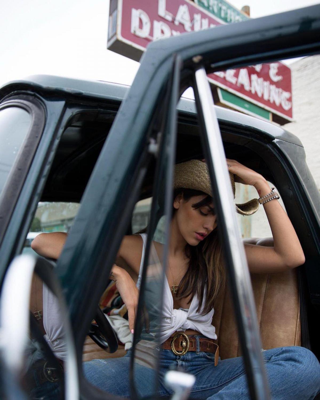 Eiza Gonzalez Sexy Cleavage