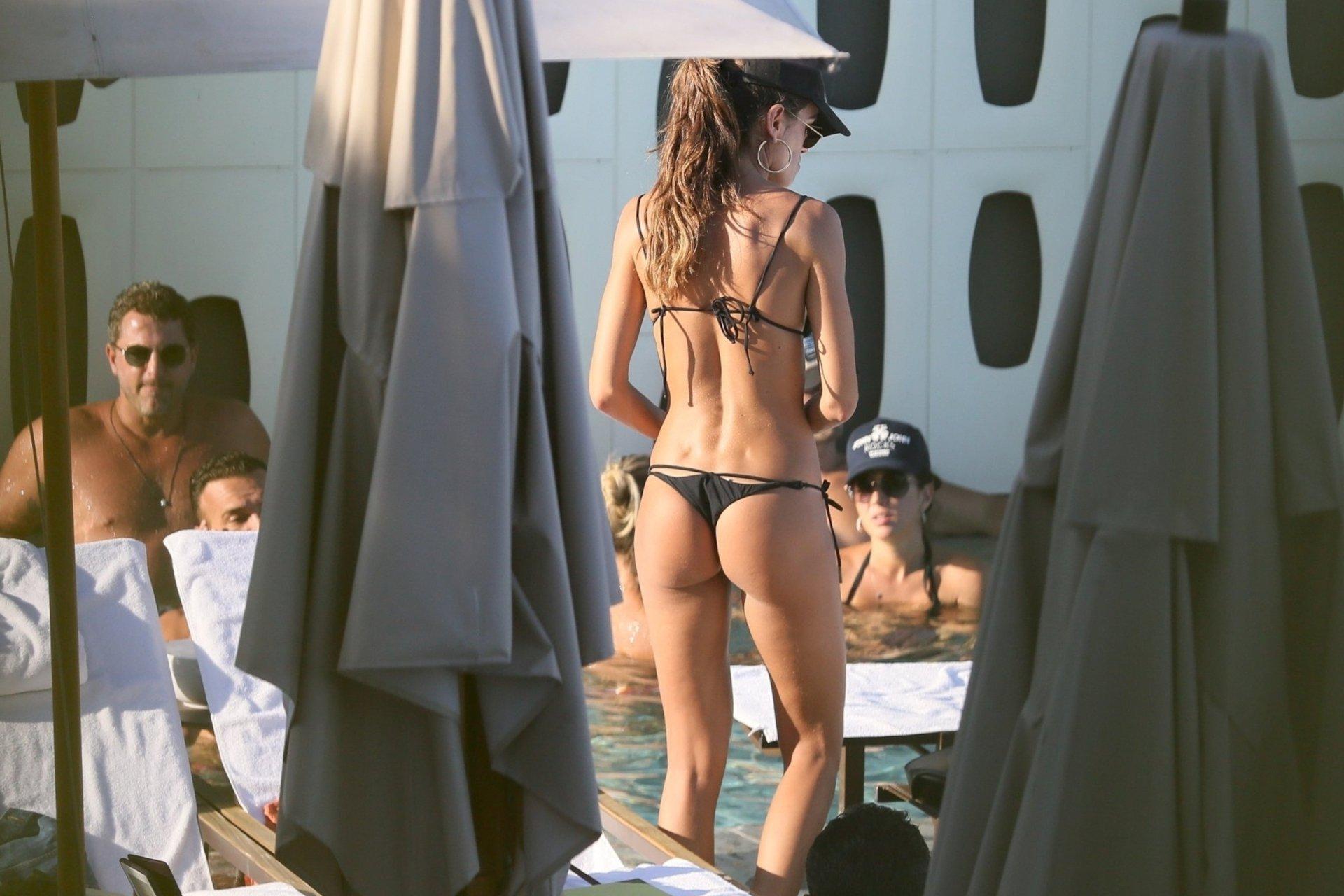 Izabel Goulart Sexy Ass