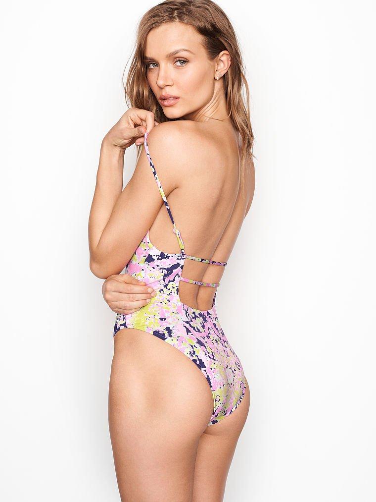 Josephine Skriver Sexy Bikini