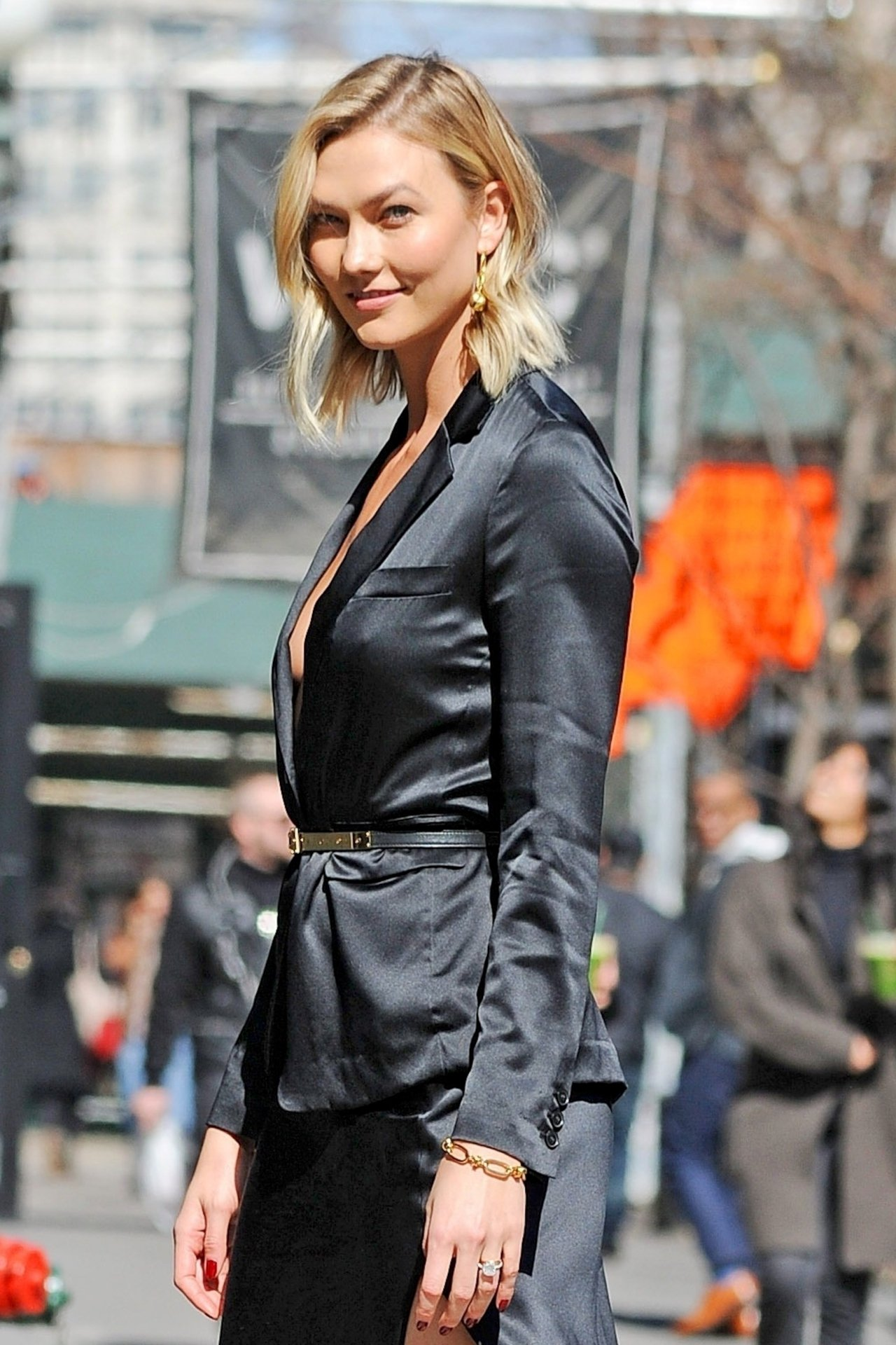 Karlie Kloss – Braless Candids in New York