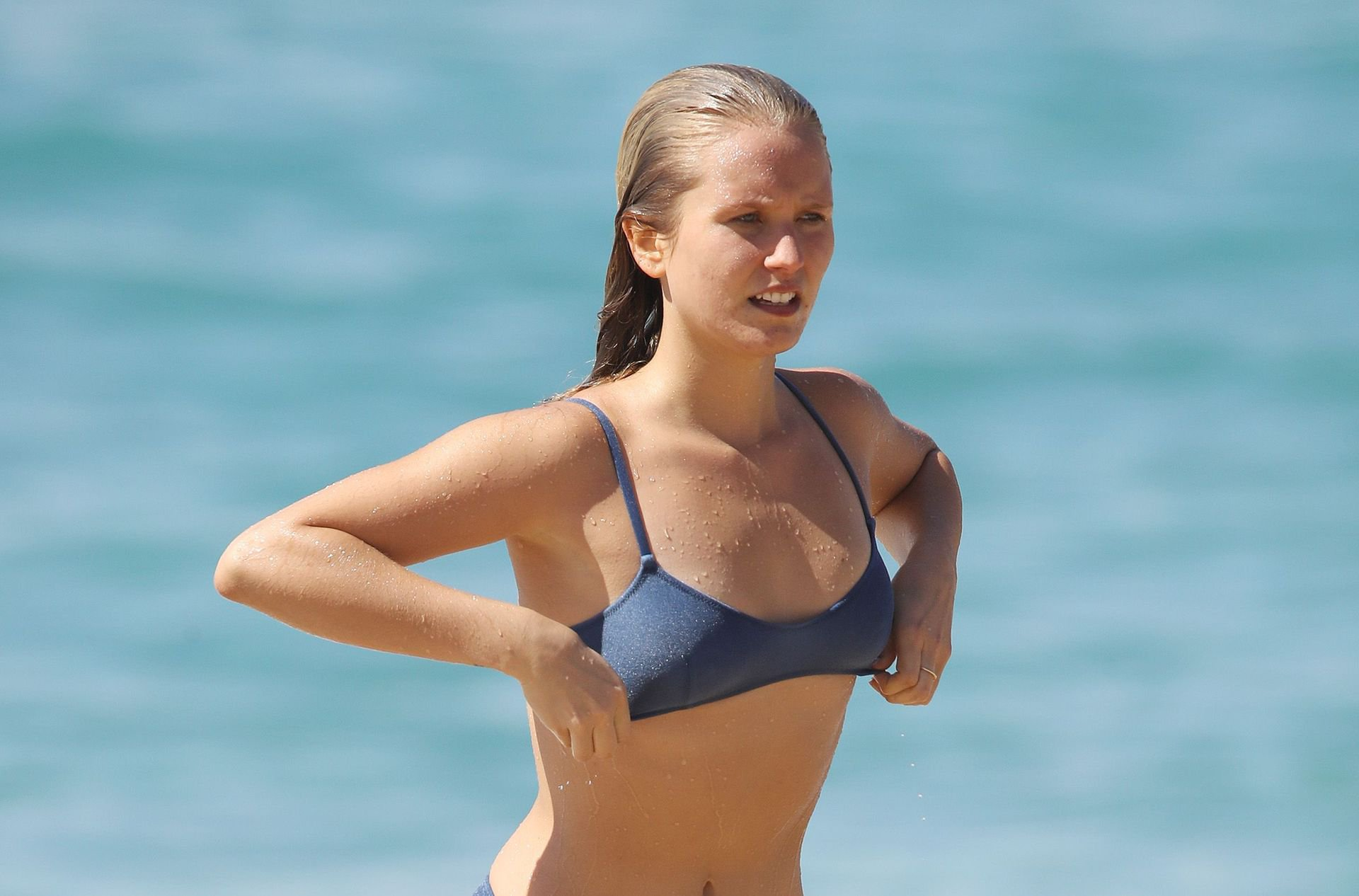 Sailor Brinkley-Cook – Bikini Candids on Coogee Beach in Sydney