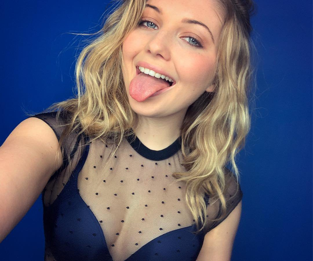 Sammi Hanratty Hot